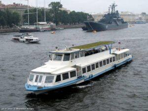 Теплоход Москва 178