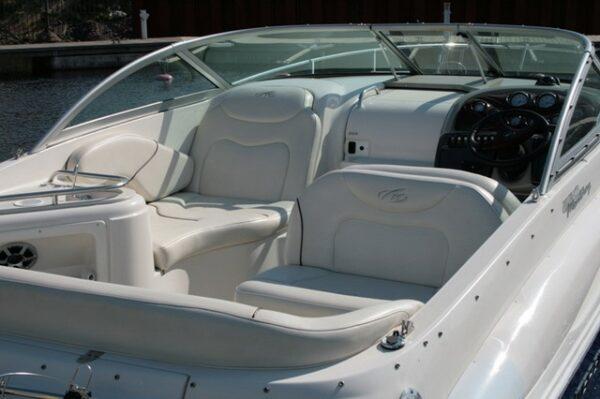 катер Monterey 250
