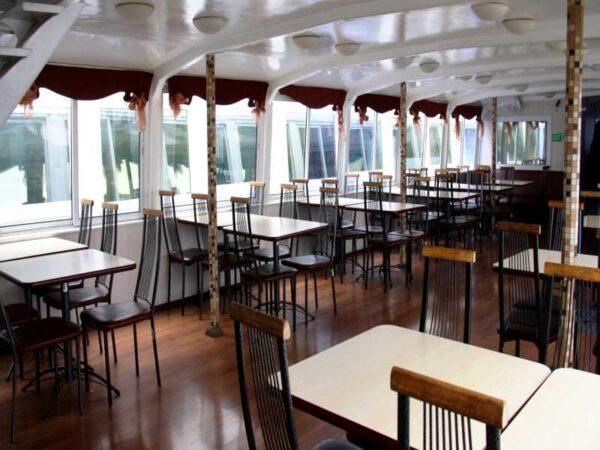 Теплоход Москва 183 салон