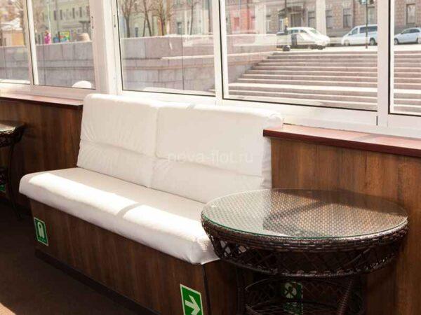 Теплоход Москва 213 Романов салон