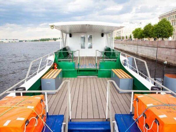 Теплоход Москва 187 верхняя открытая палуба