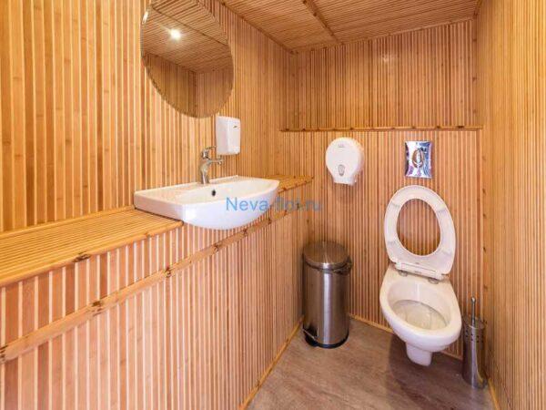 Теплоход Британия туалет
