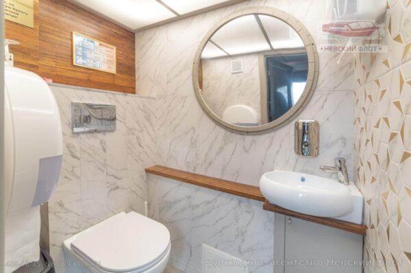 теплоход Амели туалет