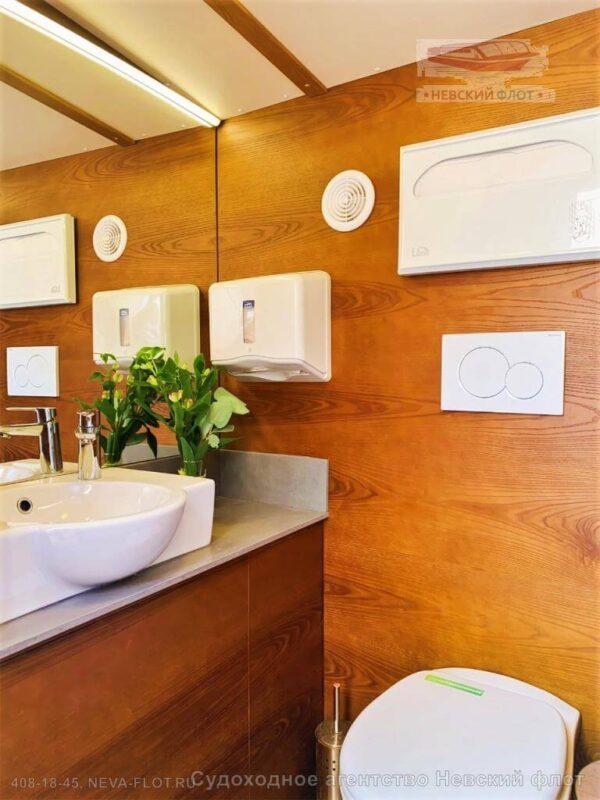 Теплоход Самсон туалет