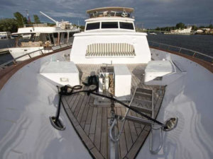 Яхта Broward внешний вид
