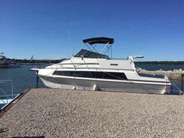 Яхта Карвер-32 внешний вид
