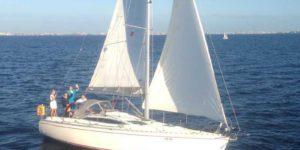 Яхта Delphia 37 внешний вид