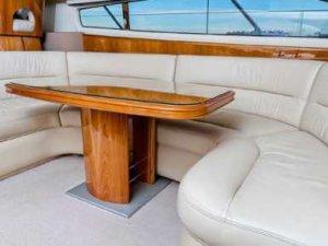 Яхта Princess 50 салон